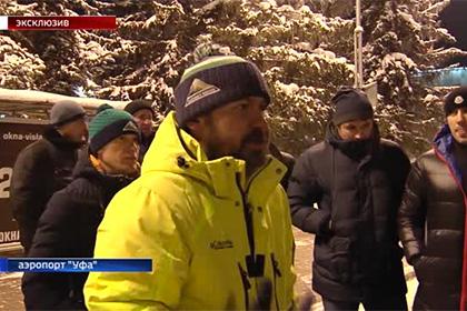 Болельщики «Салавата Юлаева» раскритиковали команду у клубного автобуса