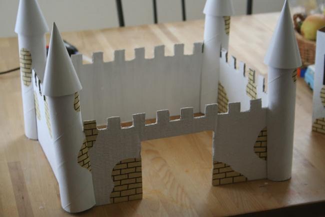 картонный замок