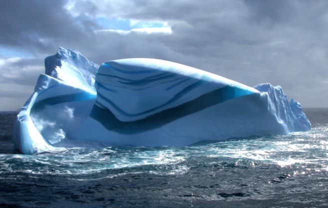 Айсберги, лед и снег. Необычные и красивые природные явления