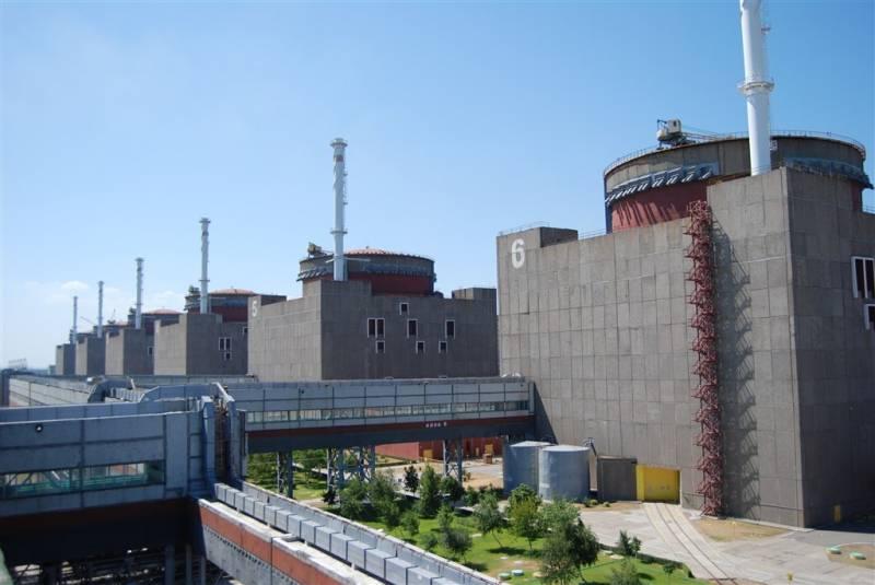"""На Запорожской АЭС """"из-за дефекта"""" отключили ещё один энергоблок"""