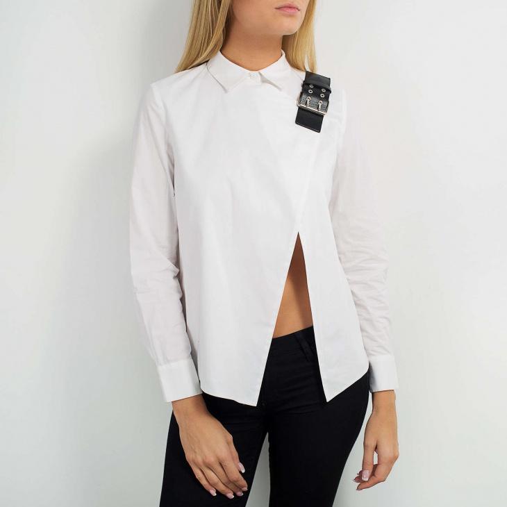 Блузка с кожаной застёжкой