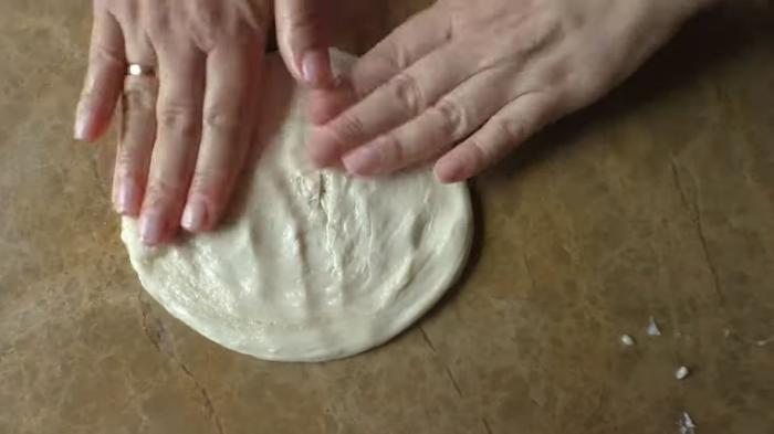 Слоеная лепешка по-новому! Просто возьмите манку Лепешки, Слоеные лепешки, Рецепт, Вкусно, Другая кухня, Приготовление, Простое тесто, Видео рецепт, Видео, Длиннопост