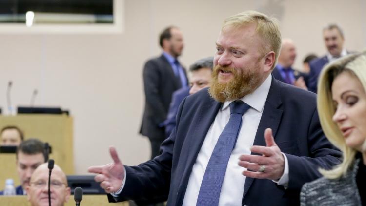Милонов предложил перекрыть газ Украине