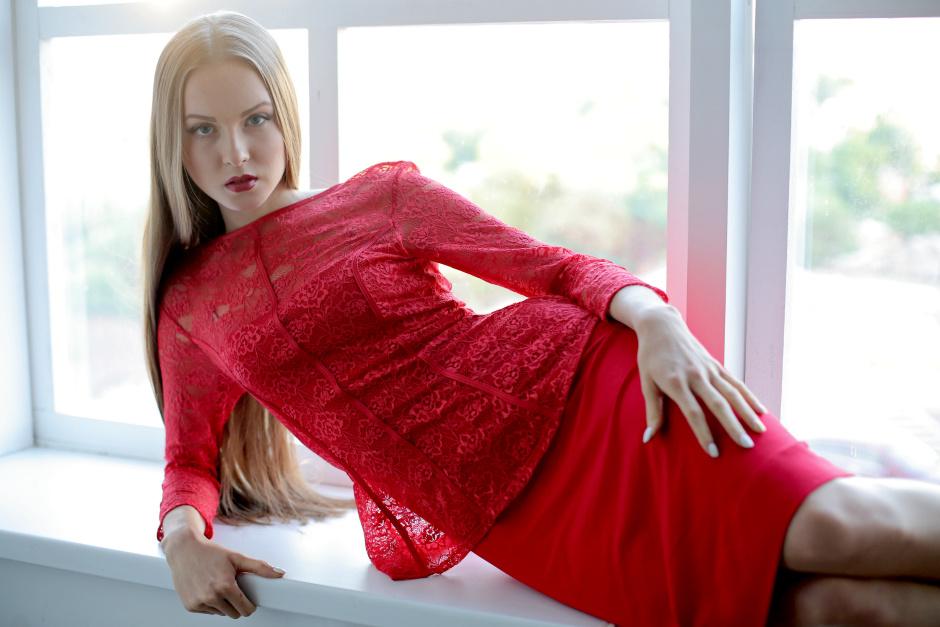 Фасон платья для девушке, у которых есть небольшой животик