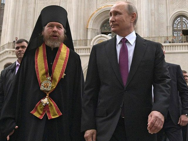 На проекты «духовника» Путин…