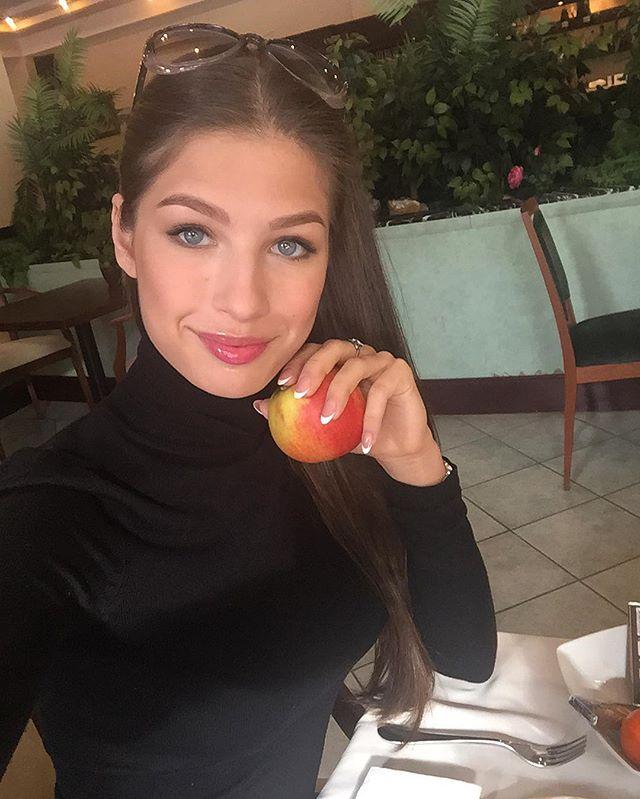 Яна Добровольская Мисс Россия Вселенная 2016