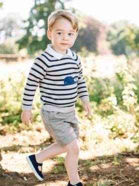 Принц Джордж, третий по счету наследник британского престола, который недавно отметил свой третий день рождения, буквально родился с серебряной ложкой во рту. У этого мальчика уже есть своя собственность.