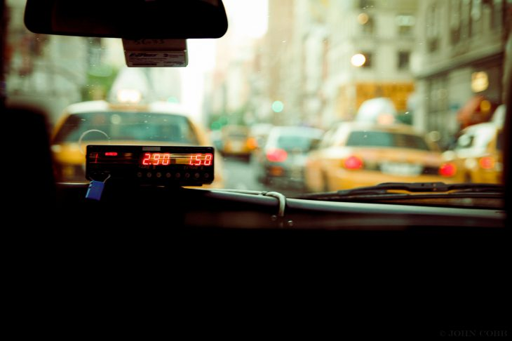Ехала сегодня с таксистом, разговорились, и вот чем он меня удивил...