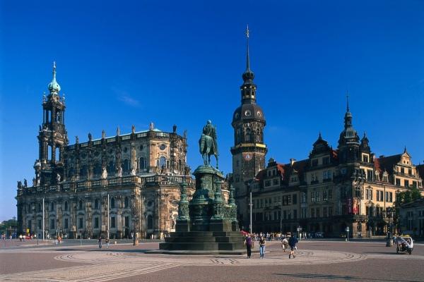 Дрезден. 10 самых красивых городов Германии. Интересные города Германии, которые обязательно стоит посетить. Фото с сайта NewPix.ru