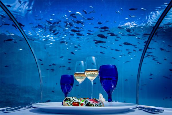 Как все устроено: ресторан под водой