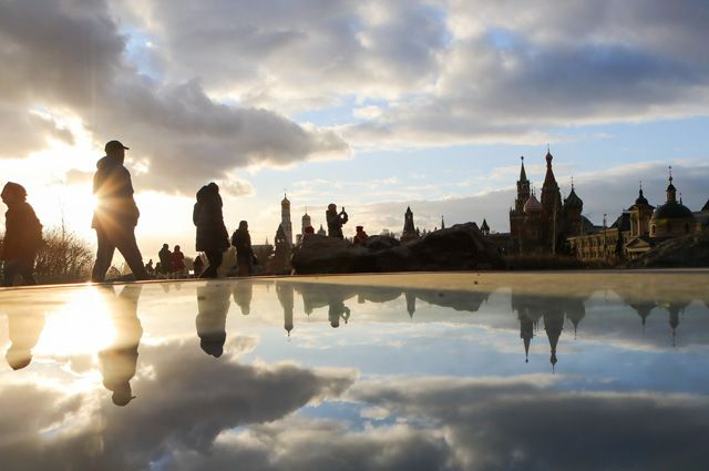 В Москве впервые средняя температура сезона оказалась положительной, составив +0,2°С. Прежний рекорд в столице был поставлен в 1960–1961 гг.