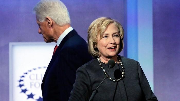 «Уголовники» Клинтон пытаются пробиться к власти