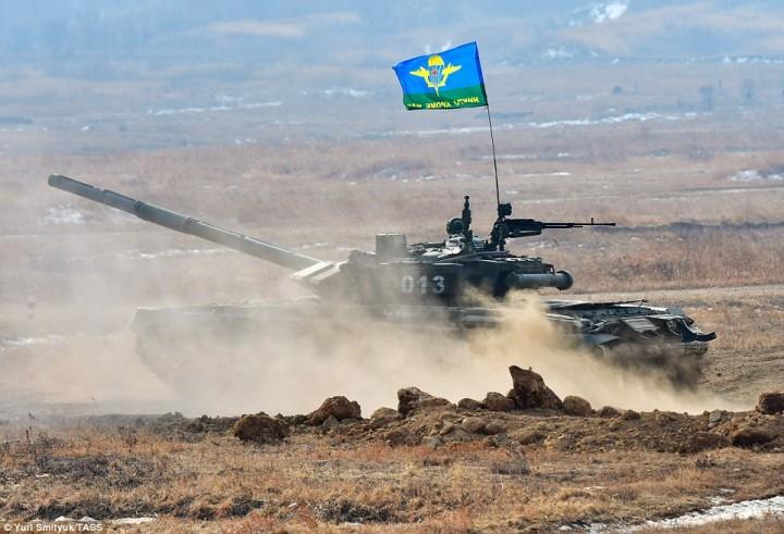 В Крыму начались масштабные учения ВДВ с участием флота и ВКС