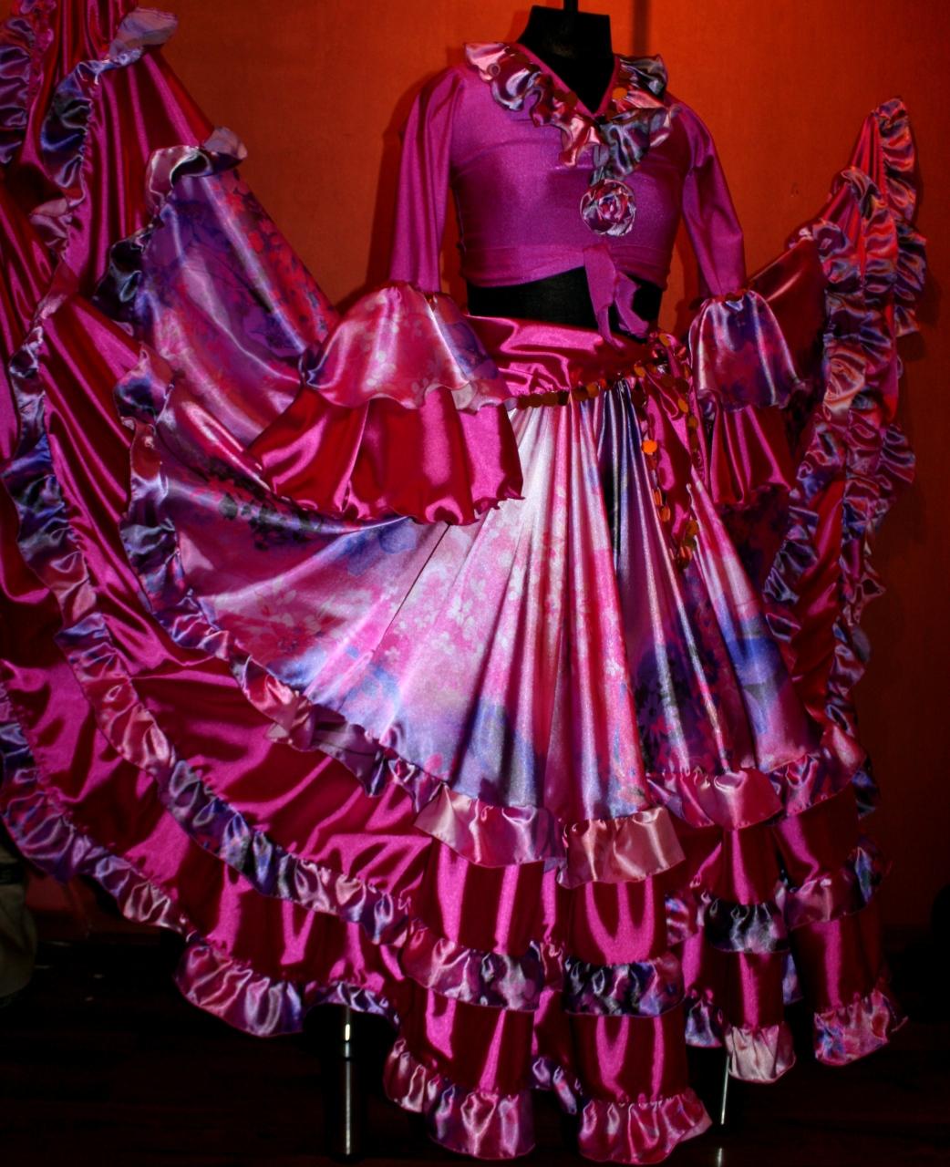 Фото в цыганском платье