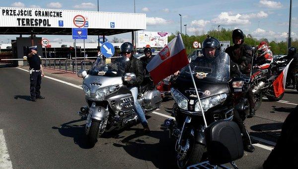 """Байкеров мотоклуба """"Ночные волки"""" не пустили в Польшу"""
