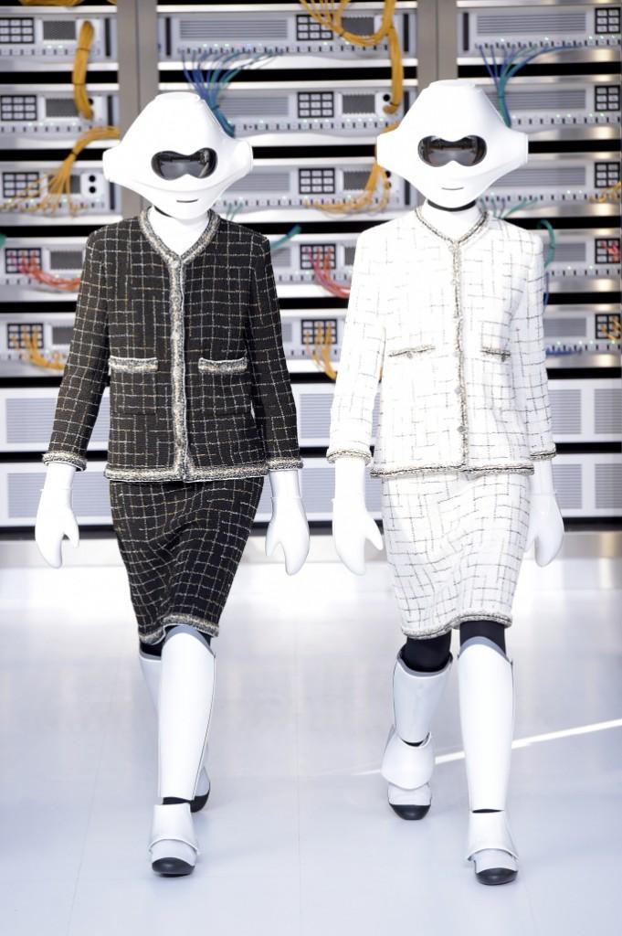 Коллекция Chanel в духе времени