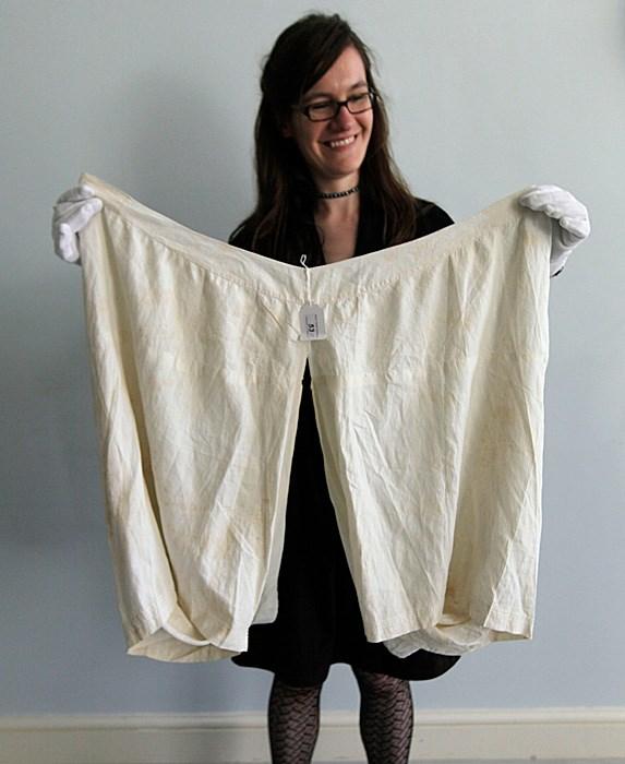 А вы бы купили нижнее бельё королевской особы?   Фото: slice.ca.