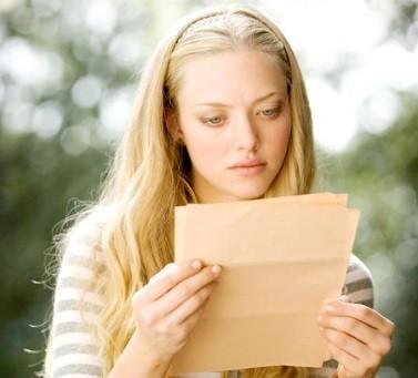 Письмо курящей девушке