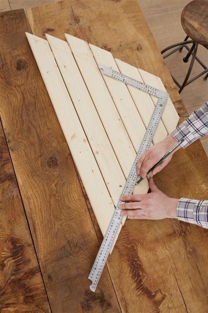 Угловой столик для балкона