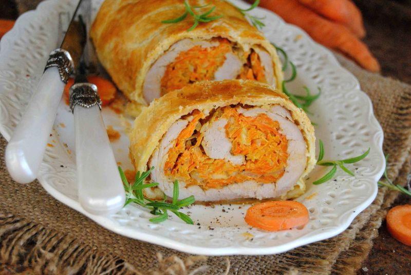 Рулет из свинины с морковью в тесте