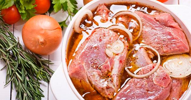 Любителям шашлыка: 5 лучших рецептов маринада. Мясо просто тает во рту!
