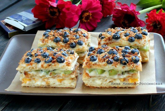 Невероятно вкусное пирожное Мильфей из слоеного теста с заварным кремом и фруктами