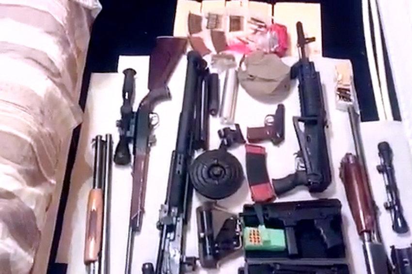 ФСБ пресекла деятельность ОПГ, причастной к контрабанде оружия