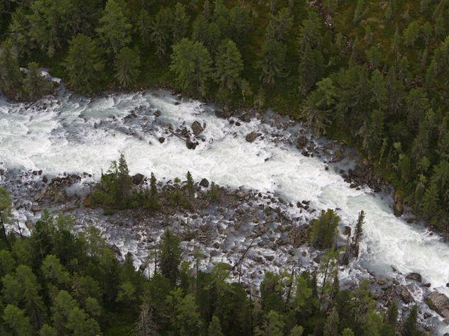 Новая трагедия на Алтае: троих приехавших на отдых детей унесло течением реки