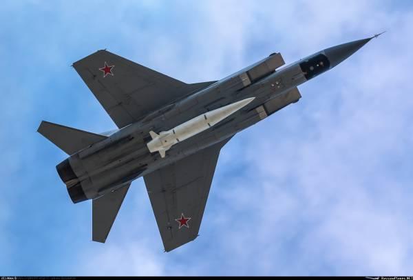 Гиперзвуковое оружие РФ и США: кто выиграет бой