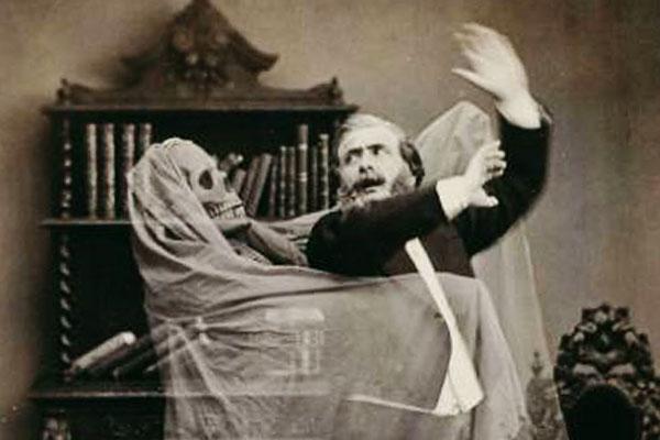 На лицо ужасные  Раскрыта сущность привидений и призраков