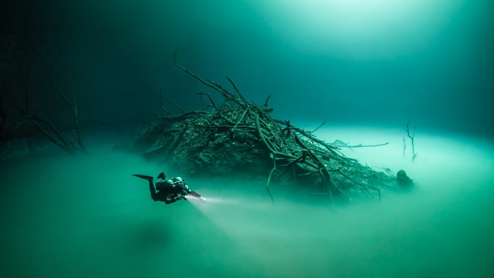 Сенот Ангелита: подводное озеро, окутанное мистическим туманом