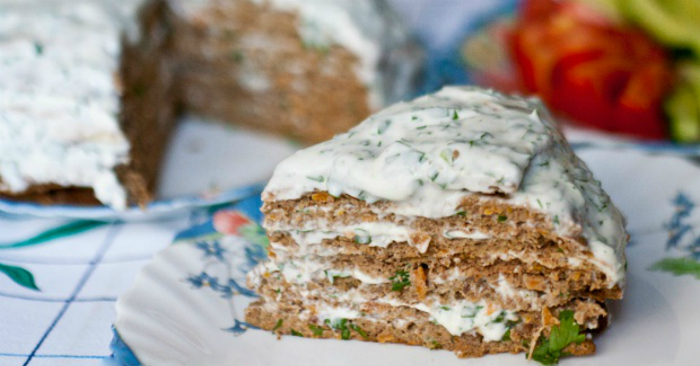 Закуска высшего уровня: нежнейший печеночный торт без майонеза