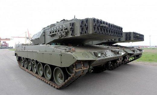 ФОТО: В Латвию прибыли испанские танки