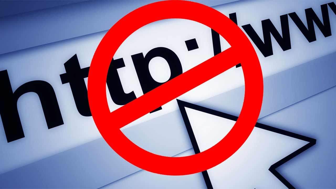 """В Госдуме предложили блокировать сайты с """"порочащими честь"""" материалами"""