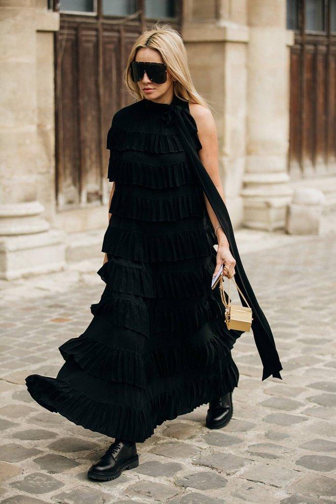 Уличная мода Парижа 2019: черный цвет