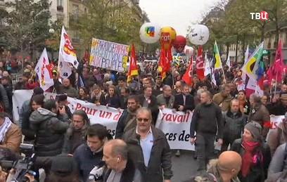 По Франции прокатились протесты против реформ Макрона