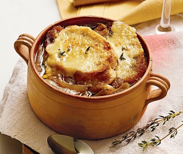 Ароматный французский луковый суп. Визитная карточка Франции!