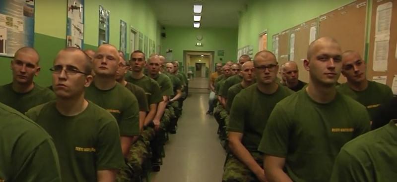 Эстонцев выселят из казарм в палатки ради комфорта солдат НАТО