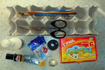 Как сделать елку из бумаги, используя упаковку из-под яиц