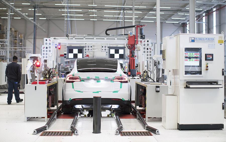 Как работает завод Илона Маска