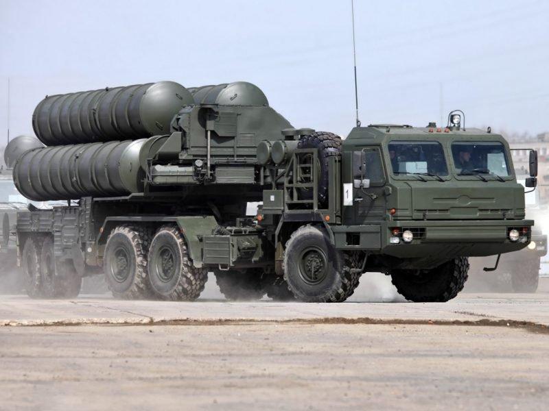 Длинные пальцы Путина: ракеты ПВО, пугающие Запад