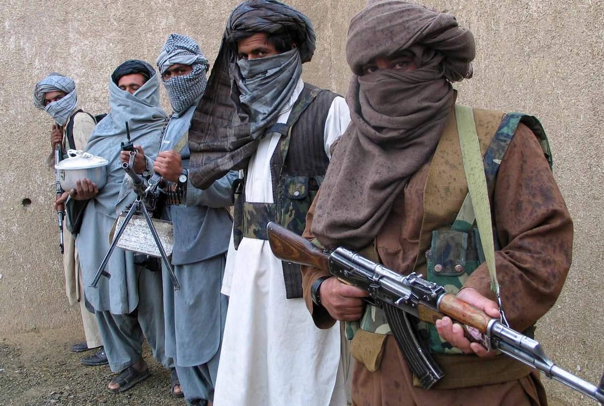 """НАТО обвинила Россию в поддержке и снабжении """"Талибана"""""""