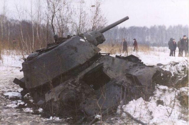 Как поднимали танк ОТ-34 из …