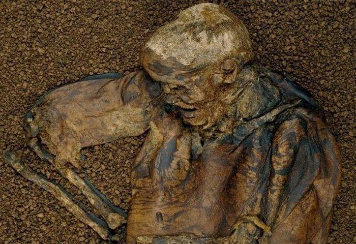 Болотные люди: 10 древних тел, найденных в торфяных болотах