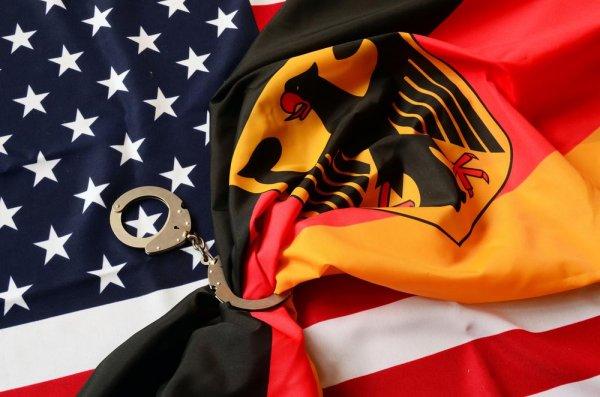Германия не хочет «беспрекословно подчиняться» США
