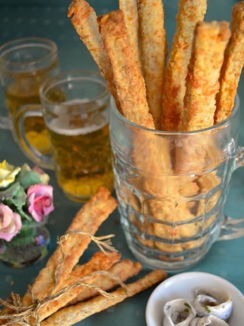 Хрустящие палочки из сыра и овсянки для пива и вина. Быстро, просто, вкусно