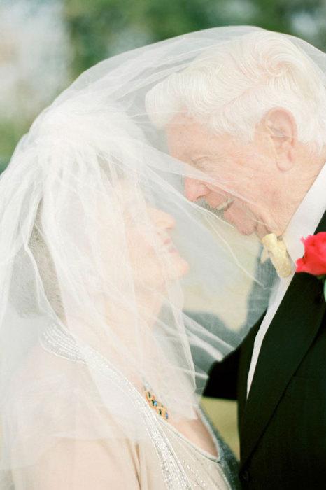 Трогательное доказательство вечной любви.