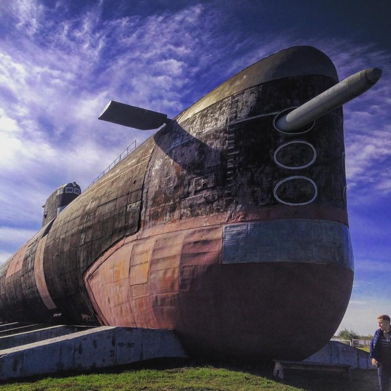 За несколько десятилетий субмарина успела побывать во многих морях от Баренцевого до Средиземного. А окончила свой боевой путь в родном Северном флоте в 2001 году. б307, вмф, музей, подлодка, тольятти