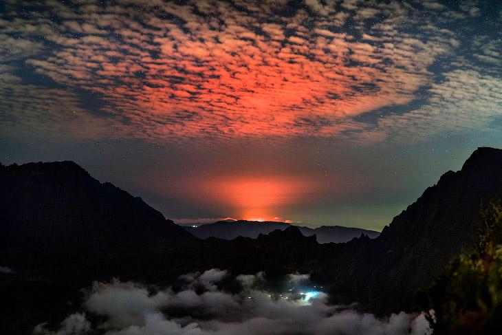 Вулкан Питон-де-ла-Фурнез во Франции: настоящие врата ада