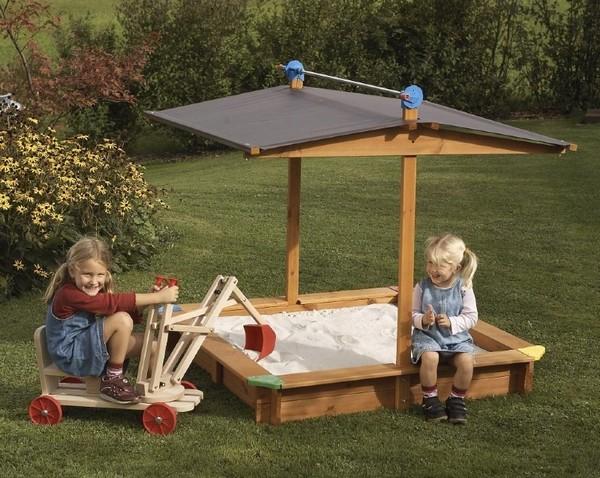 Песочница для детей с крышей фото
